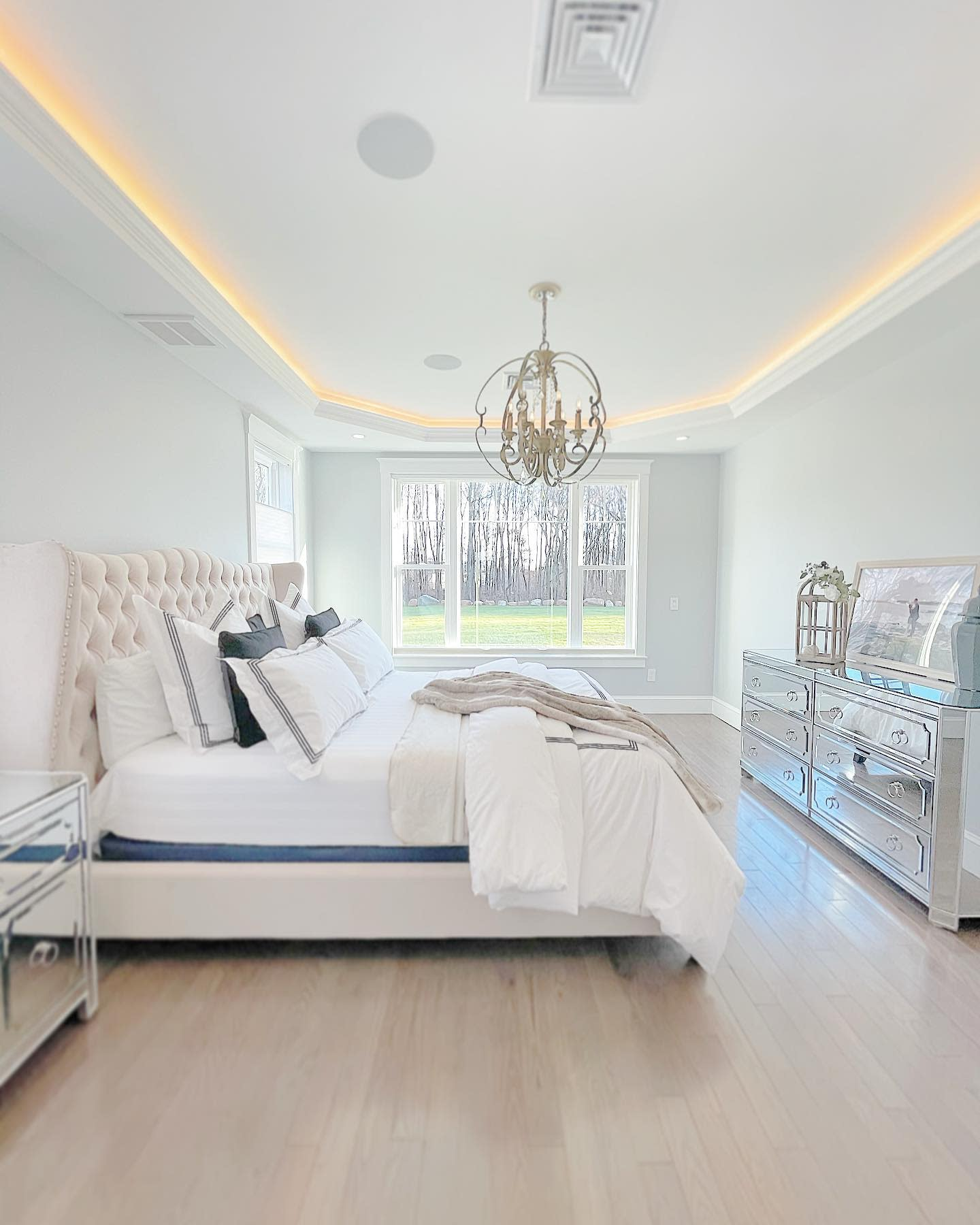 Ceiling Master Bedroom Ideas -glam_home_living