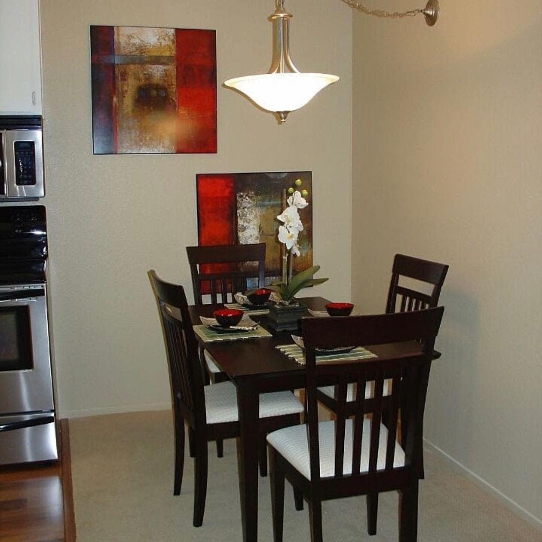 Elegant Small Dining Room Ideas -alicetchan