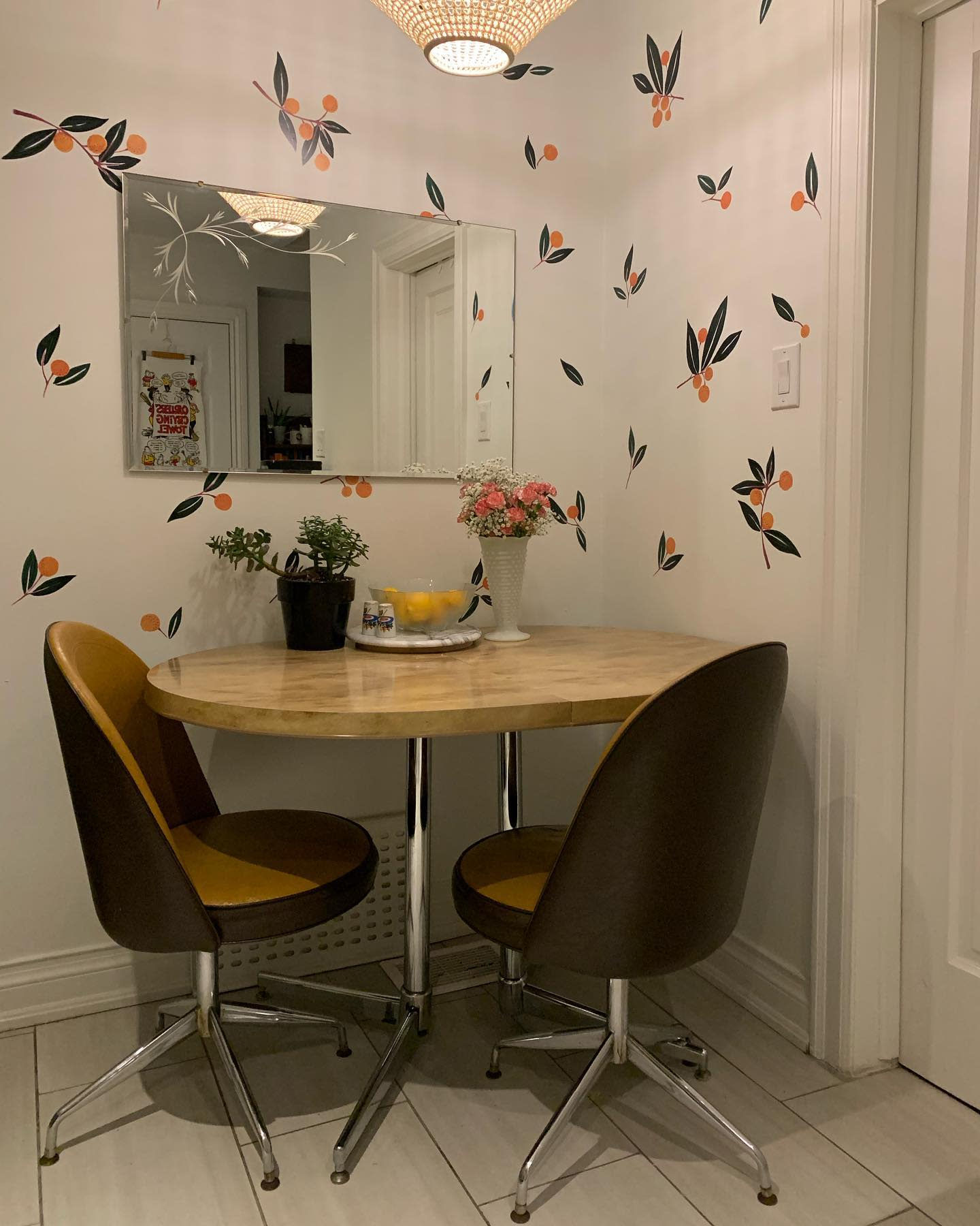 Small Space Small Dining Room Ideas -59.bungalows
