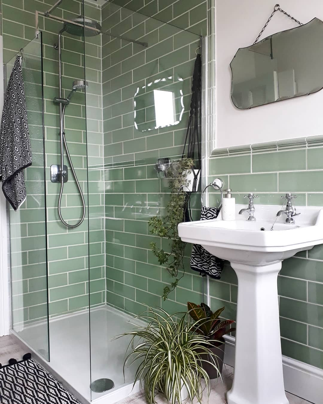 Small Walk In Shower Ideas -we_live_at_no.21