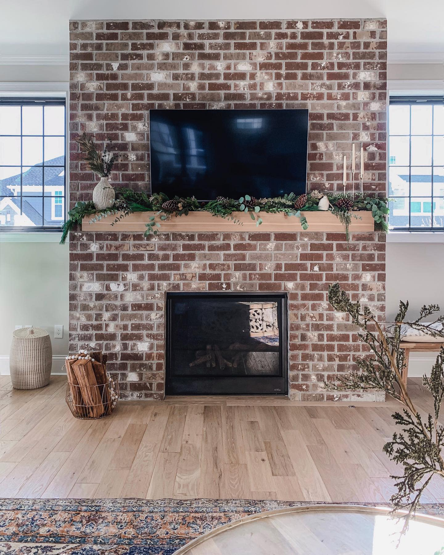 Fireplace Feature Wall Accent Wall Ideas for Living Room -spacefordreaming