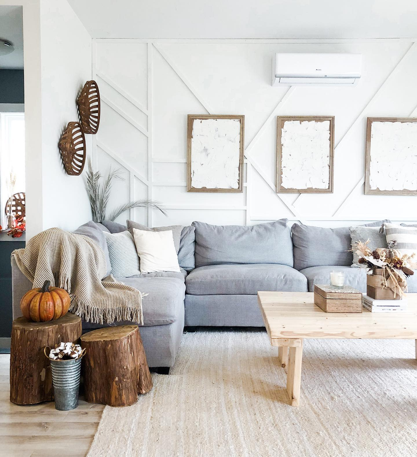 Panelling Accent Wall Ideas for Living Room -broookewags