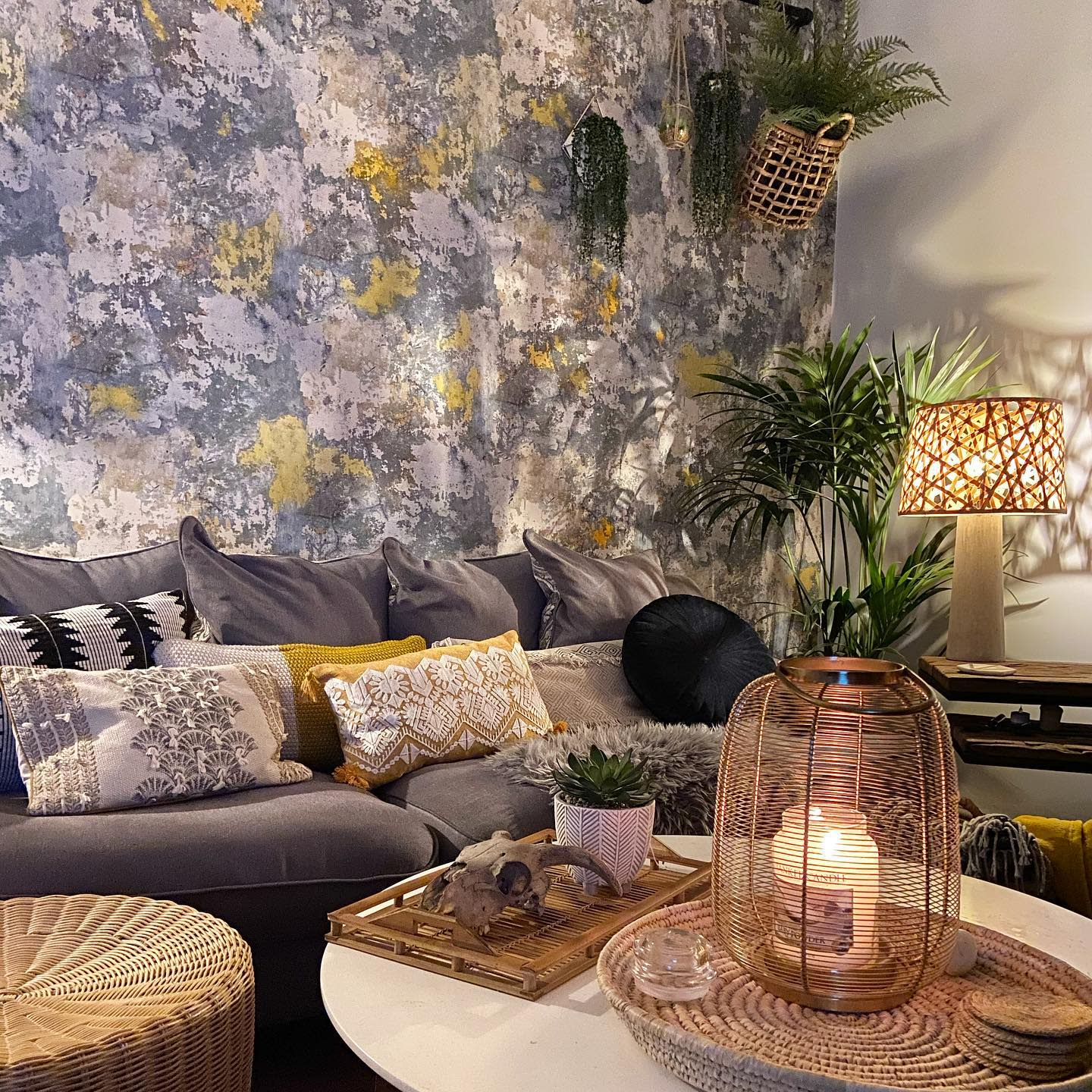 Wallpaper Accent Wall Ideas for Living Room -houseatnumber30