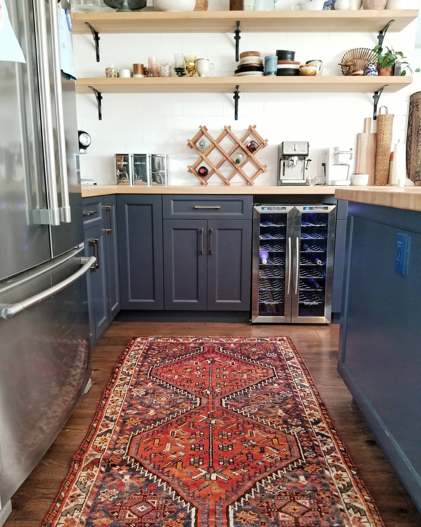Cabinet Apartment Kitchen Ideas -theknotted_fox