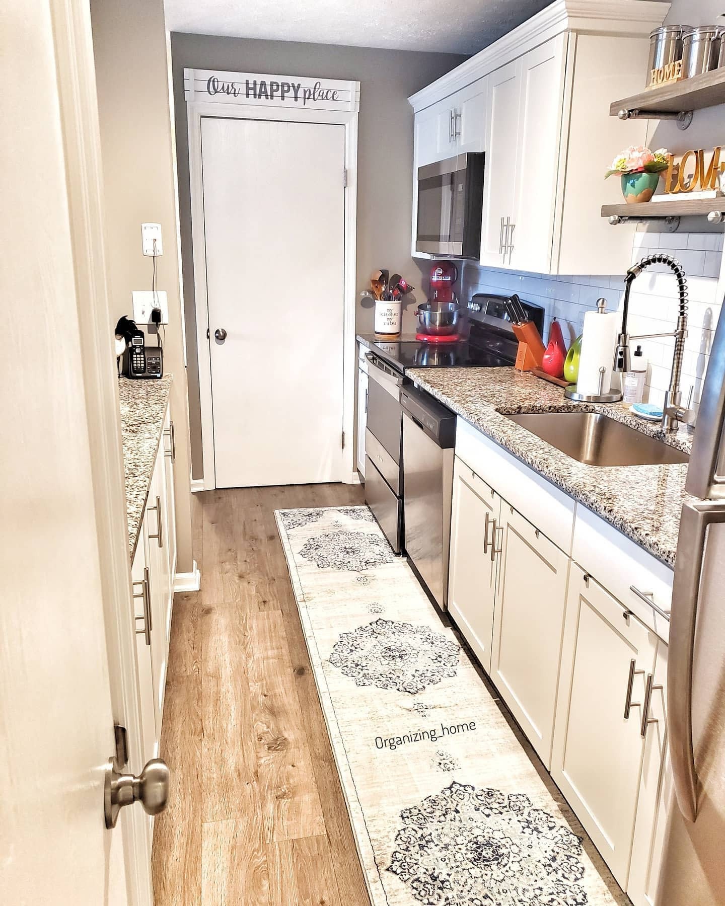 Galley Apartment Kitchen Ideas -organizing_home