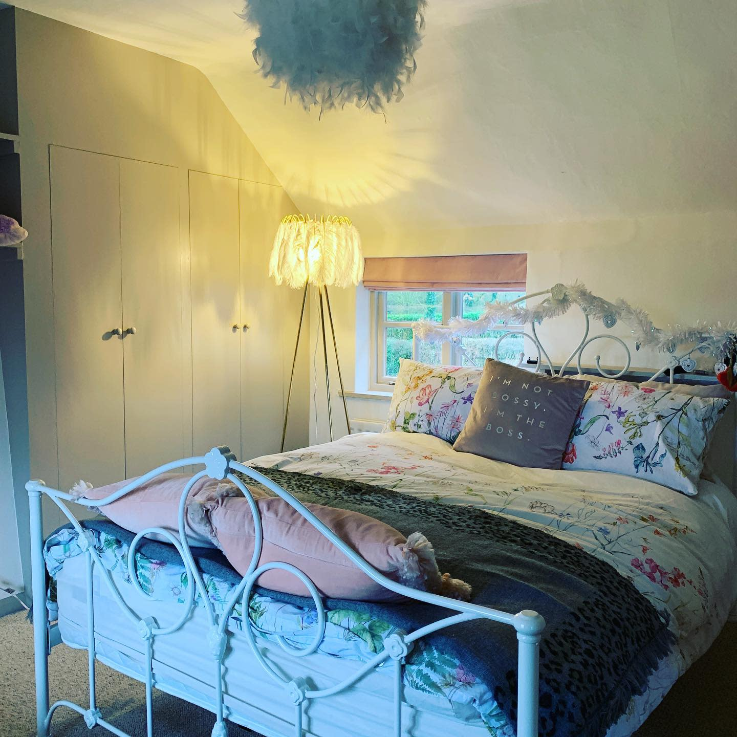 Iron Bed Country Bedroom Ideas -thecopperbarnsuffolk