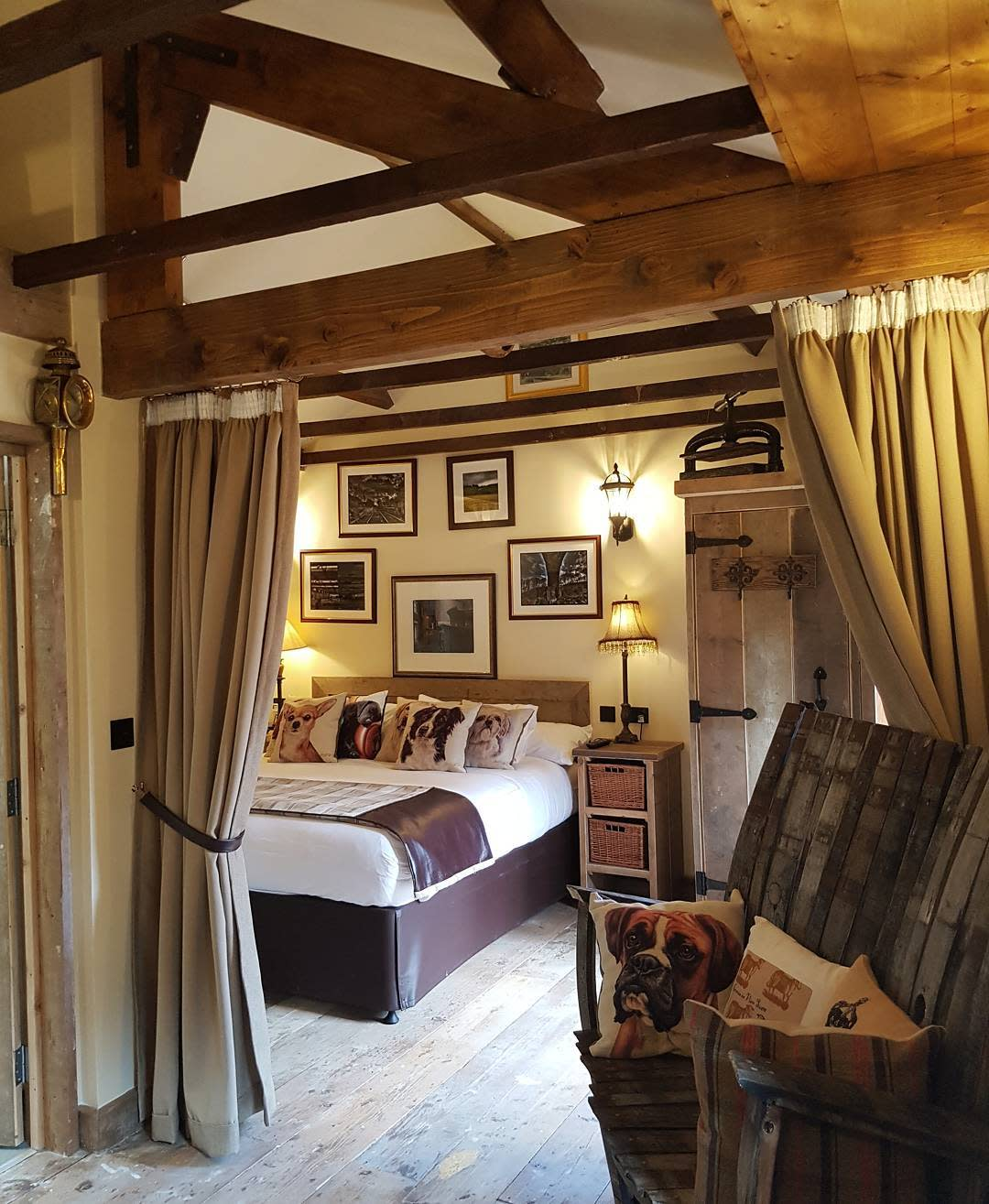 Master Country Bedroom Ideas -south_causey_inn