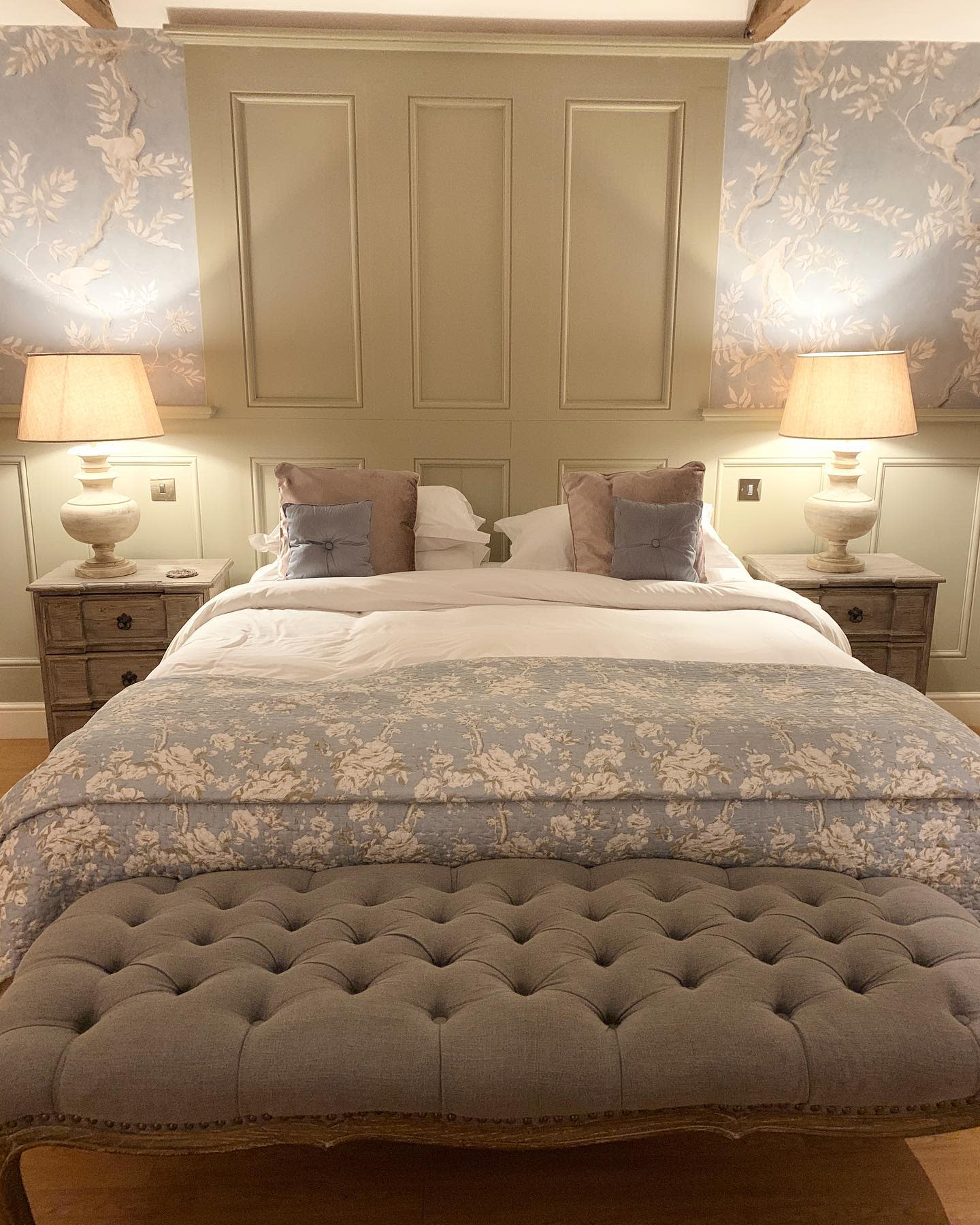 Neutral Country Bedroom Ideas -hens_and_hollyhocks
