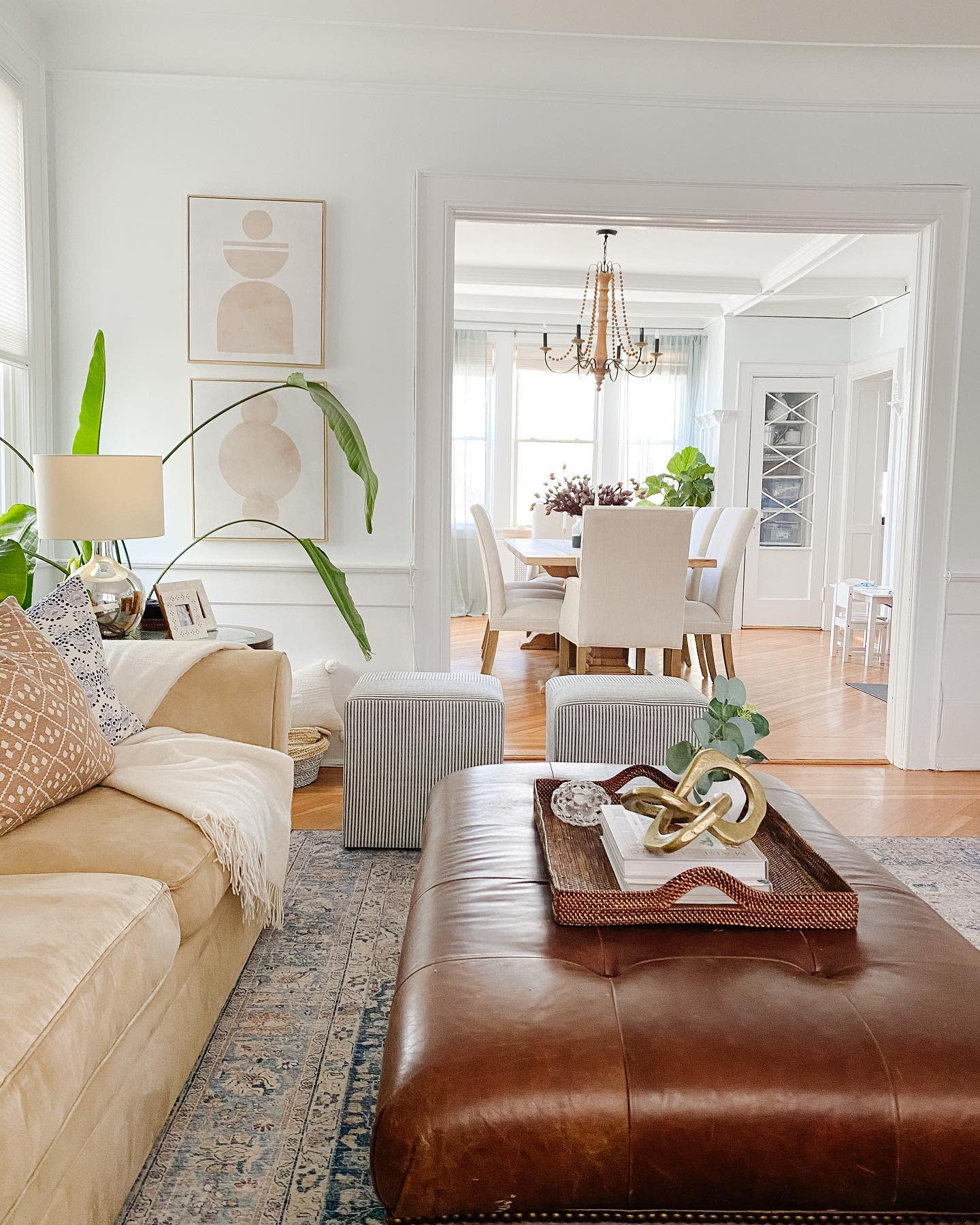 Coastal Country Living Room Ideas -theotherenddesign