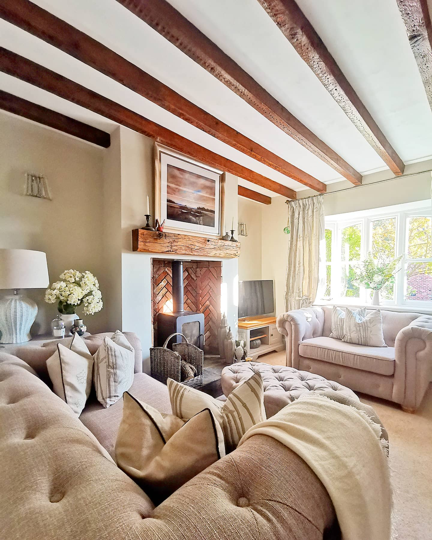 Cottage Country Living Room Ideas -kirstyscottage_life