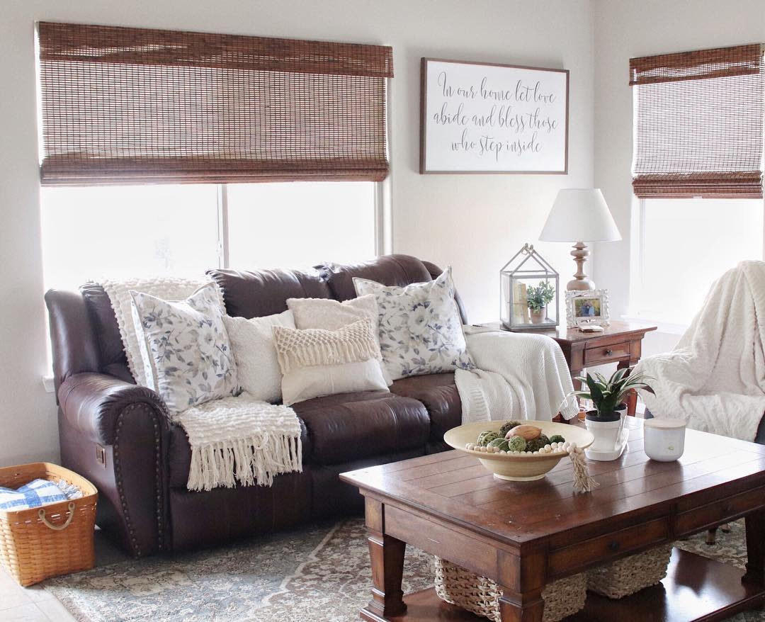 Farmhouse Country Living Room Ideas -sosweetlystyled