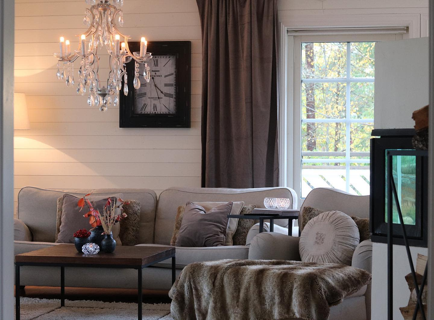 Scandinavian Country Living Room Ideas -therese.heden