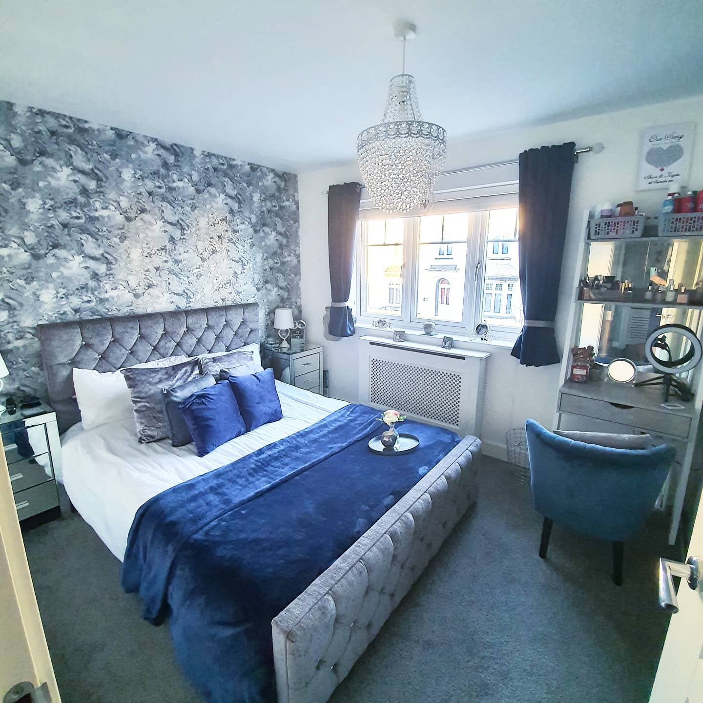 Small Grey Bedroom Ideas -home_at_the_walkers