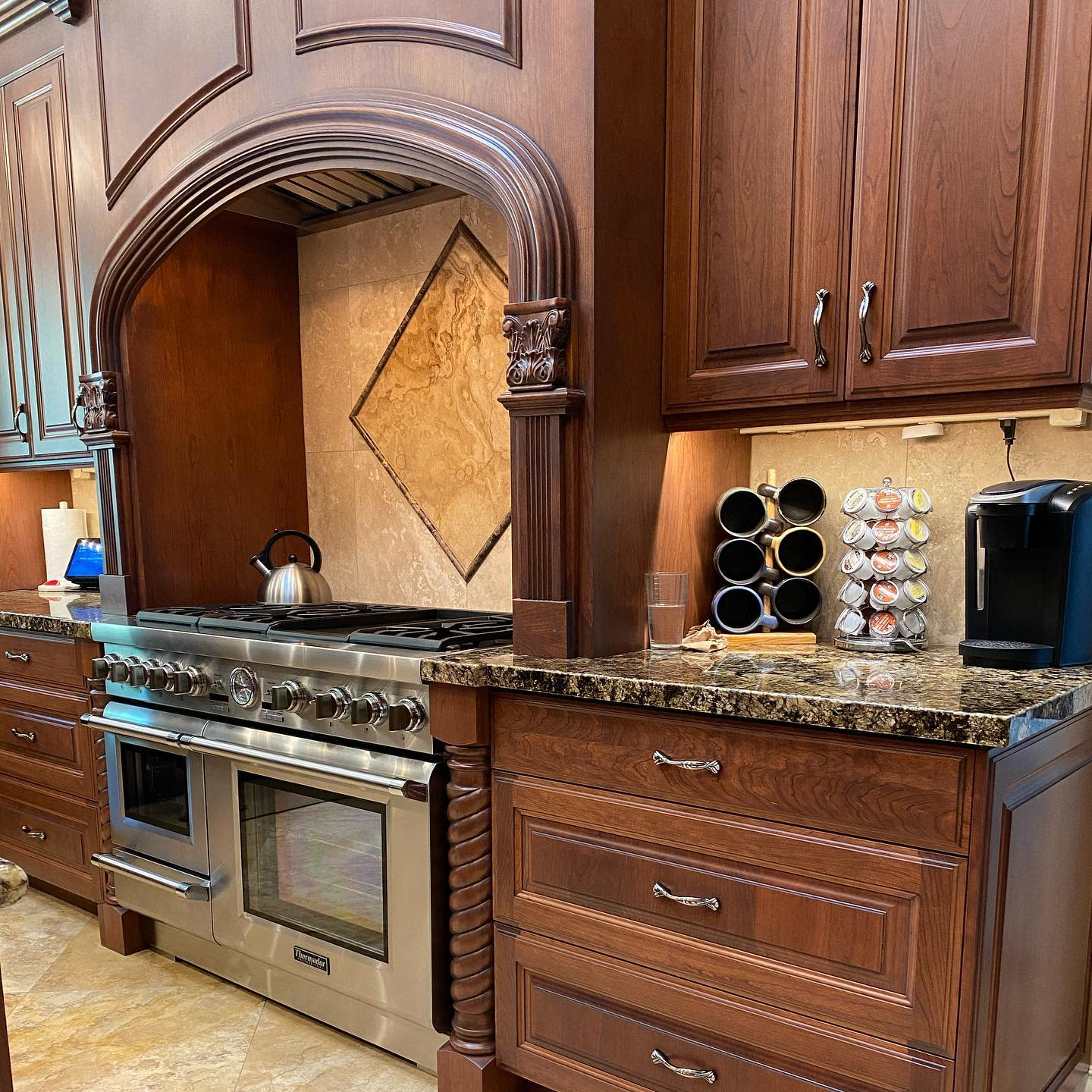 Traditional Kitchen Hood Ideas -blue_spruce_cabinets