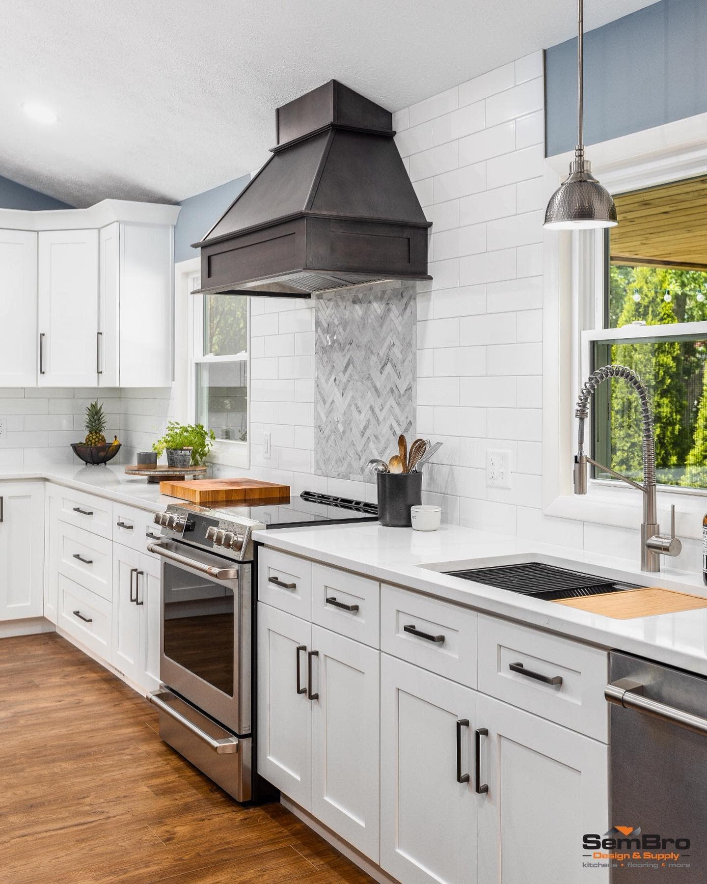 Traditional Kitchen Hood Ideas -sembro_cle
