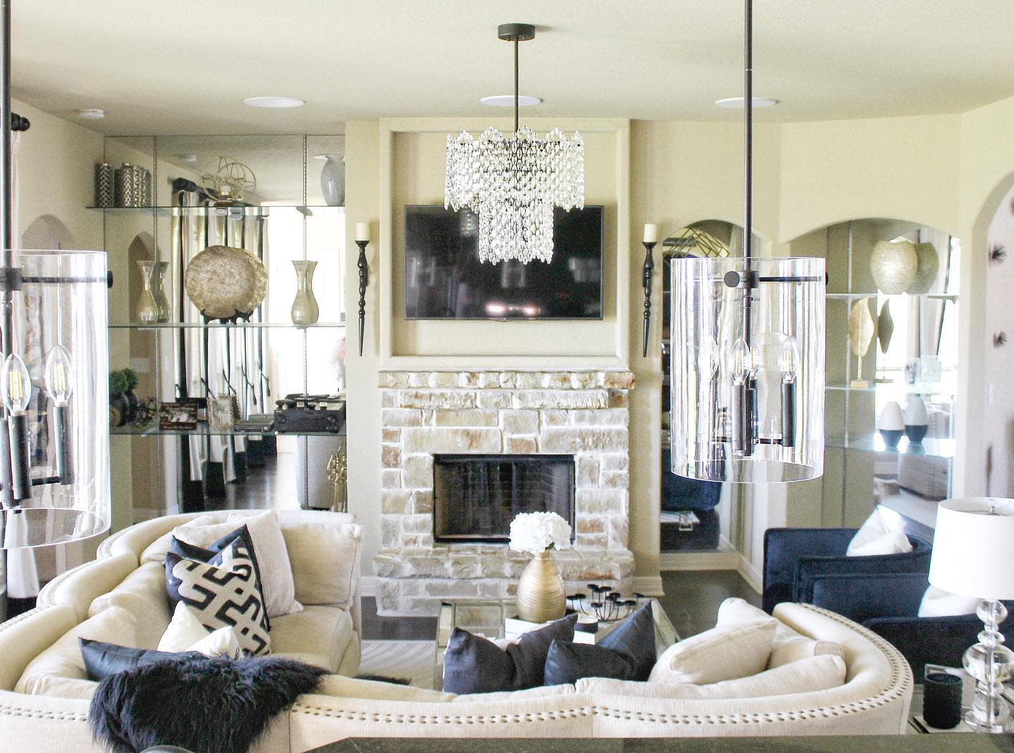 Traditional Living Room Lighting Ideas -dreaming_with_dawson