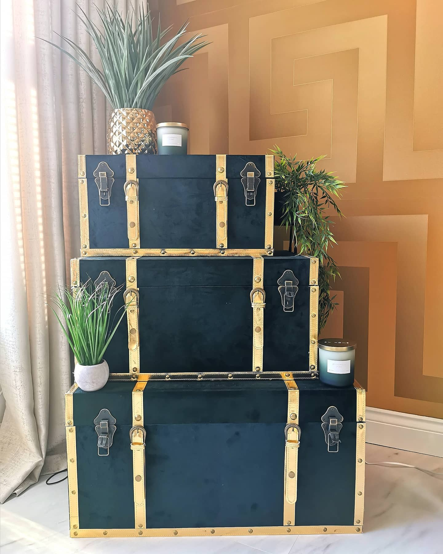 Smart Living Room Storage Ideas -my_gold_home_