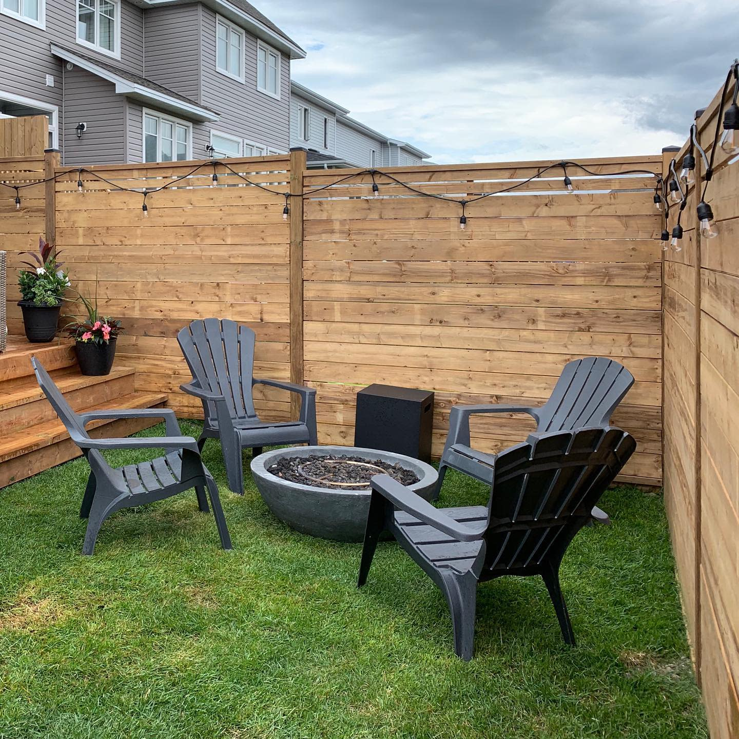 Design Horizontal Fence Ideas -howiecontracting