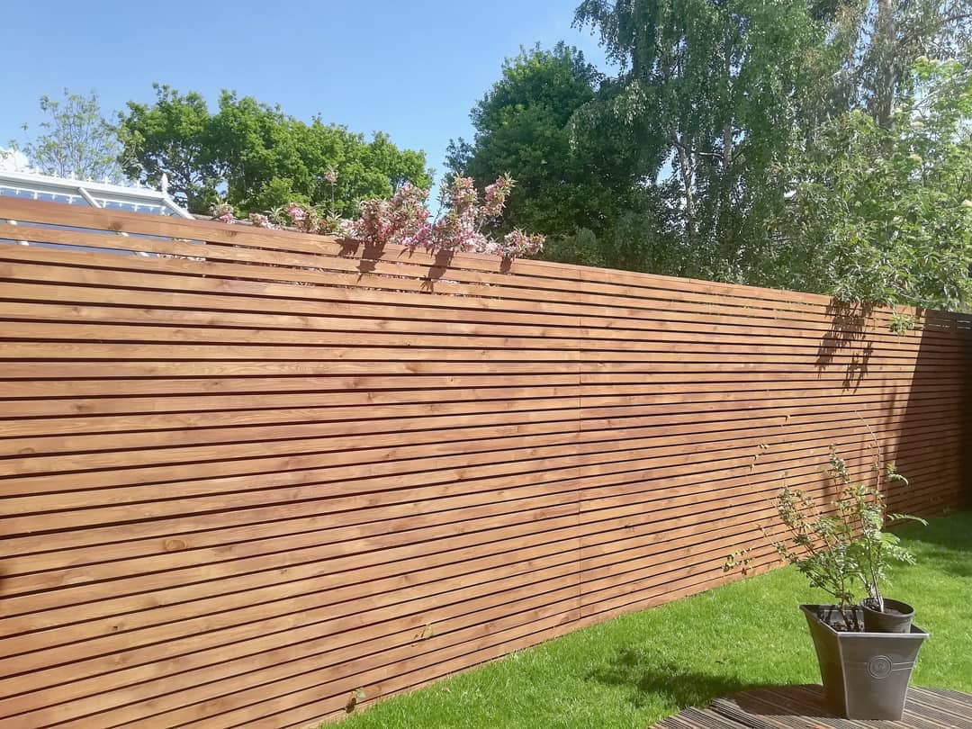 Modern Horizontal Fence Ideas -before_and_after_home_ideas