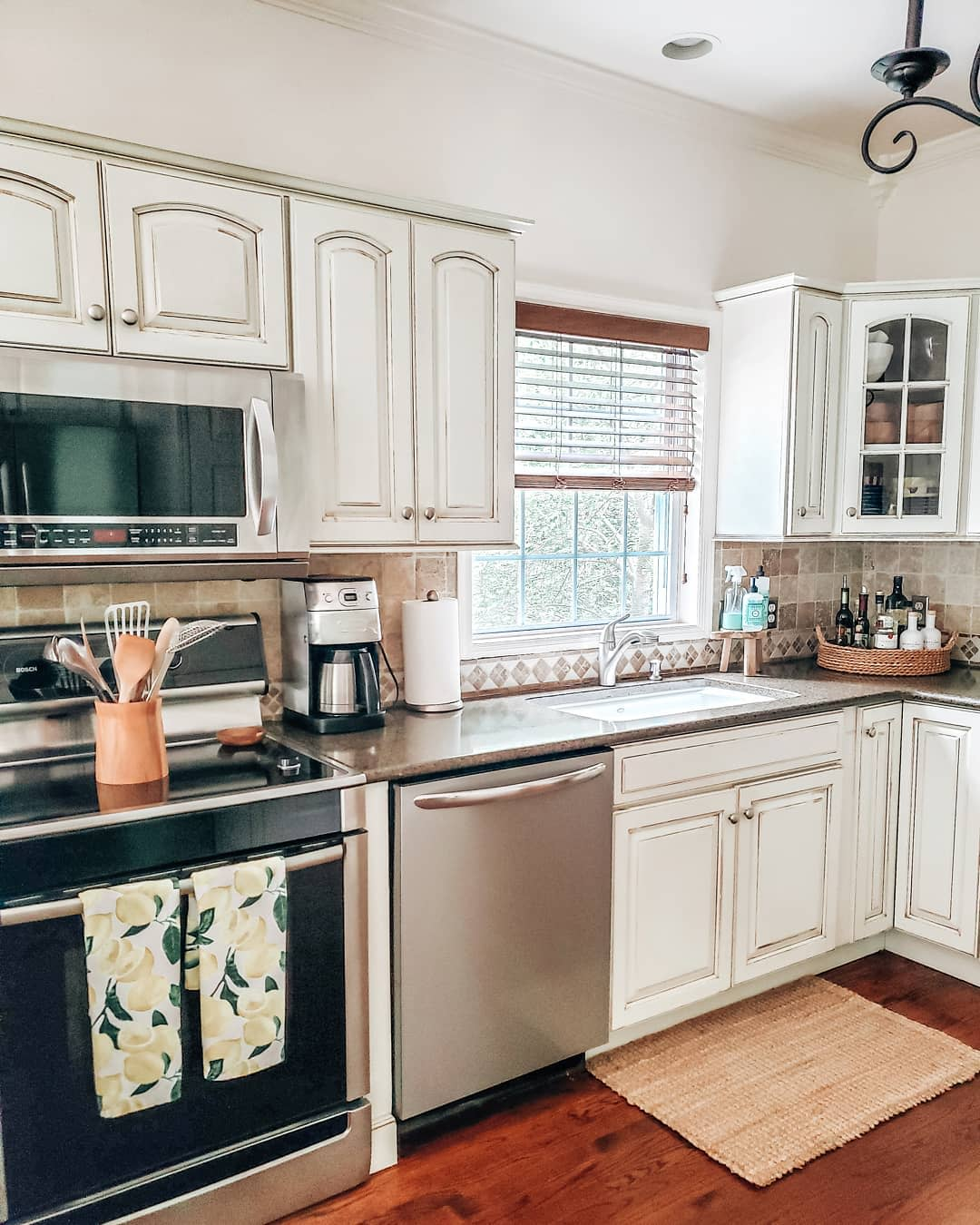 Rustic Kitchen Cabinet Ideas -wineanddesignme