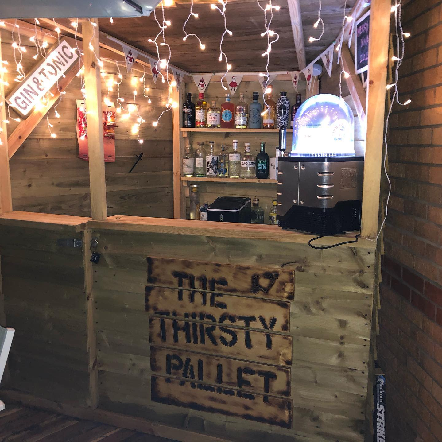 DIY Outdoor Bar Ideas -the_thirsty_pallet
