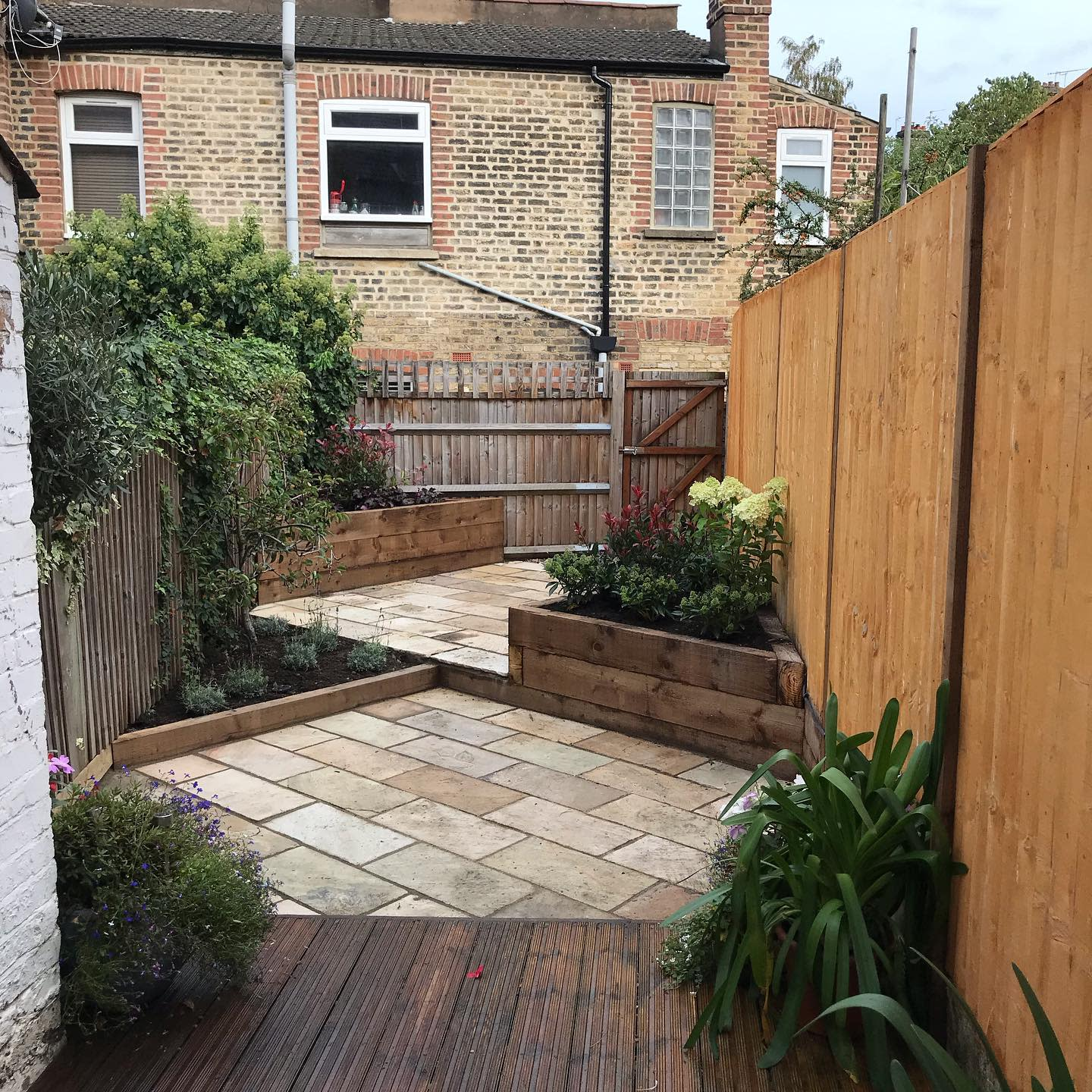 Small Backyard Landscaping Ideas on a Budget -culverlandscaping