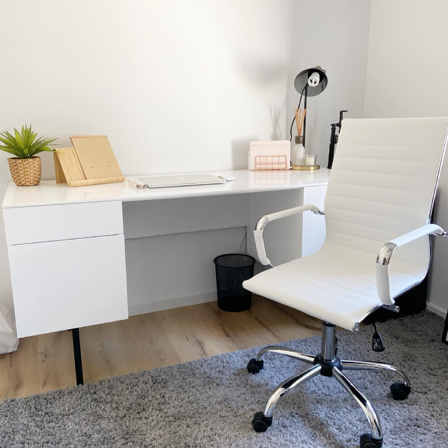 White Modern Home Office Ideas -home_withjess