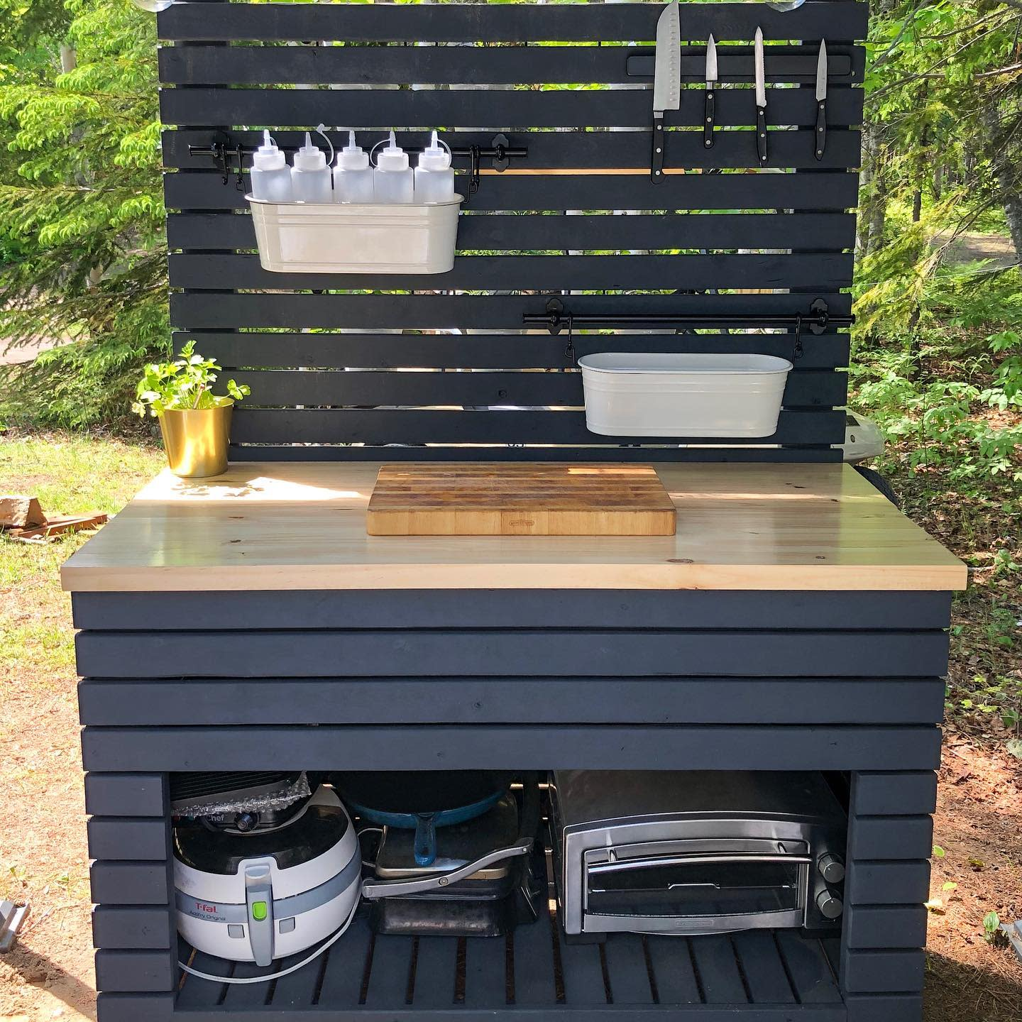 DIY Outdoor Kitchen Ideas -home_on_the_bluff