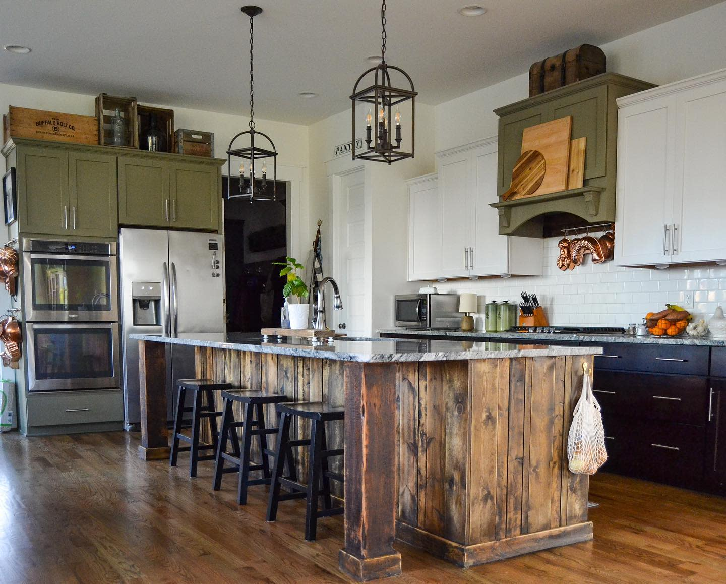 Country Rustic Kitchen Ideas -downtoearth.style