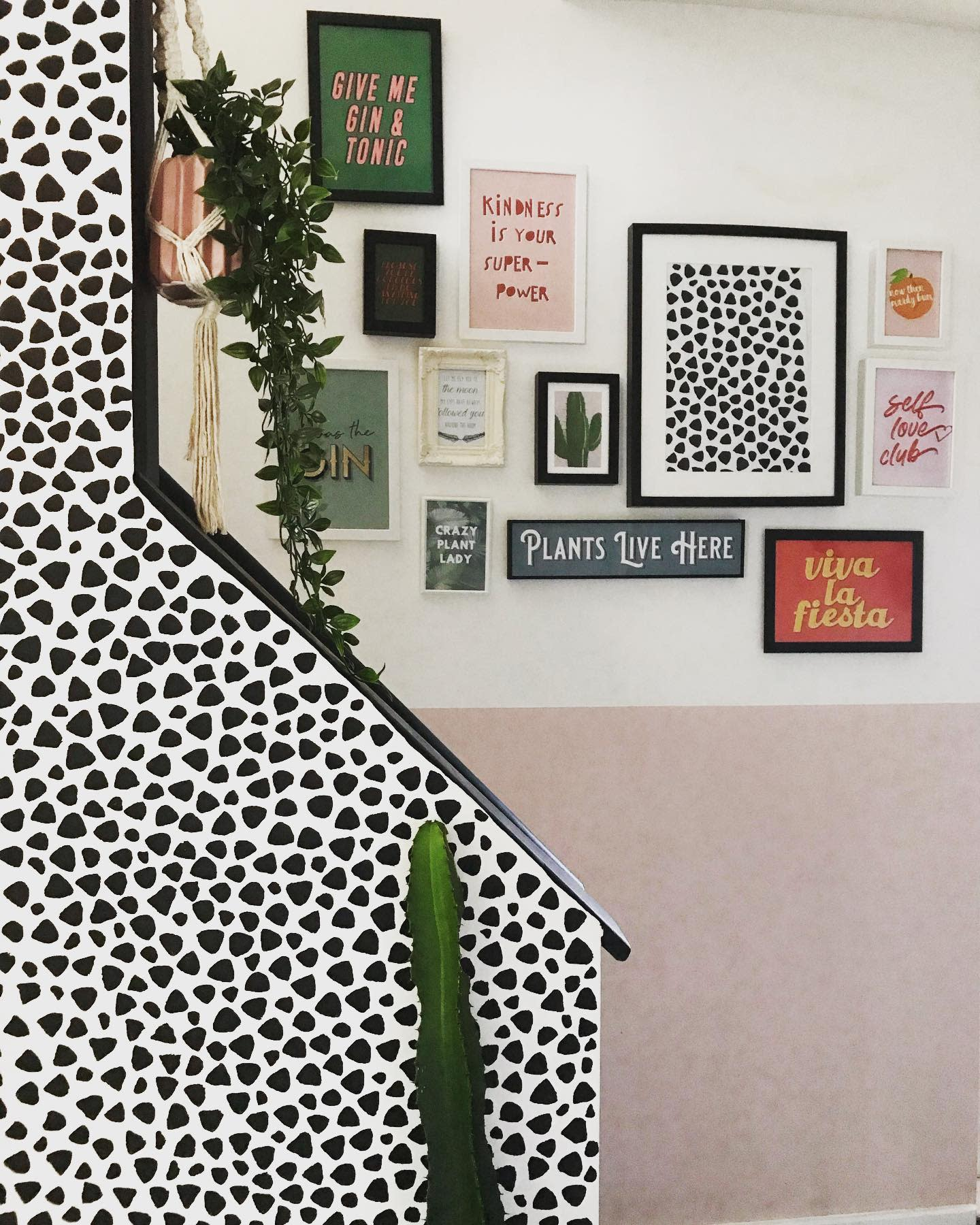 DIY Wall Collage Ideas -behind_the_door_at_54