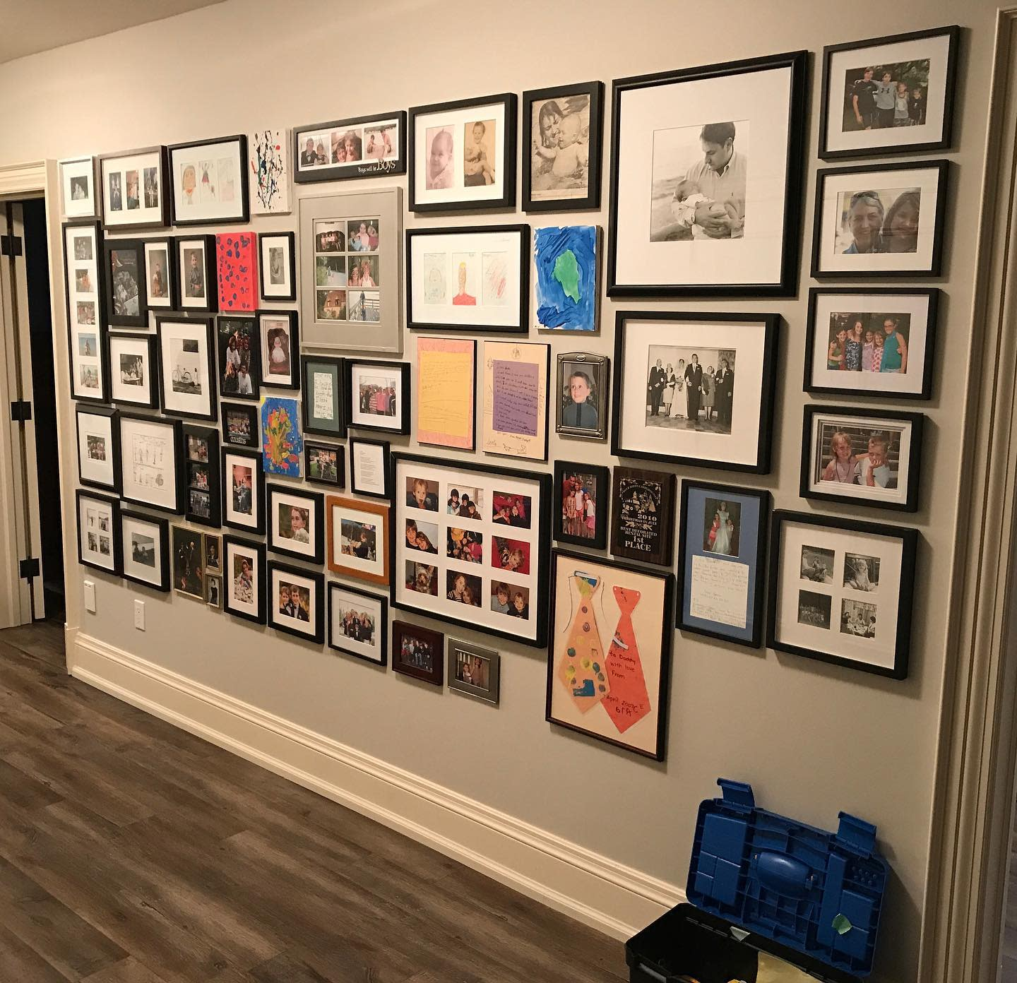 Family Wall Collage Ideas -prohanging