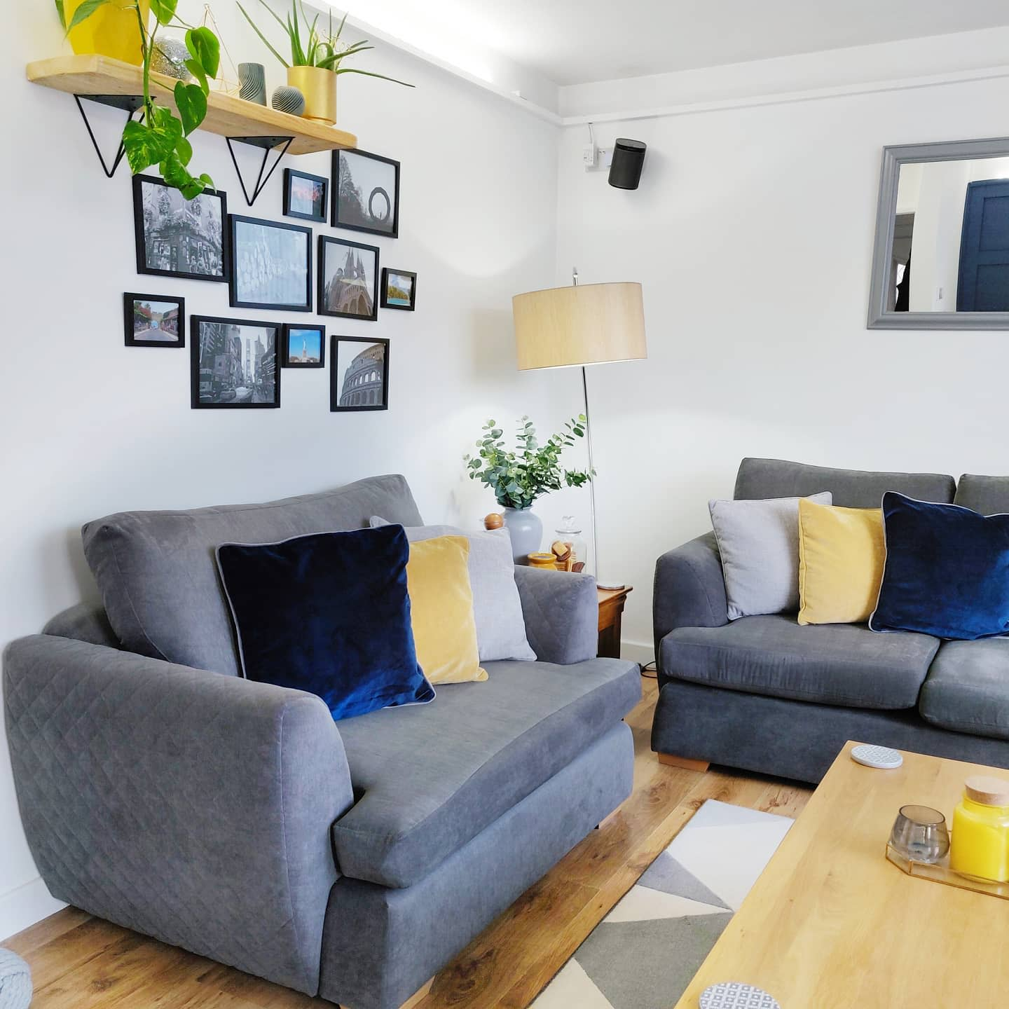 Livingroom Wall Collage Ideas -helloourfirsthome