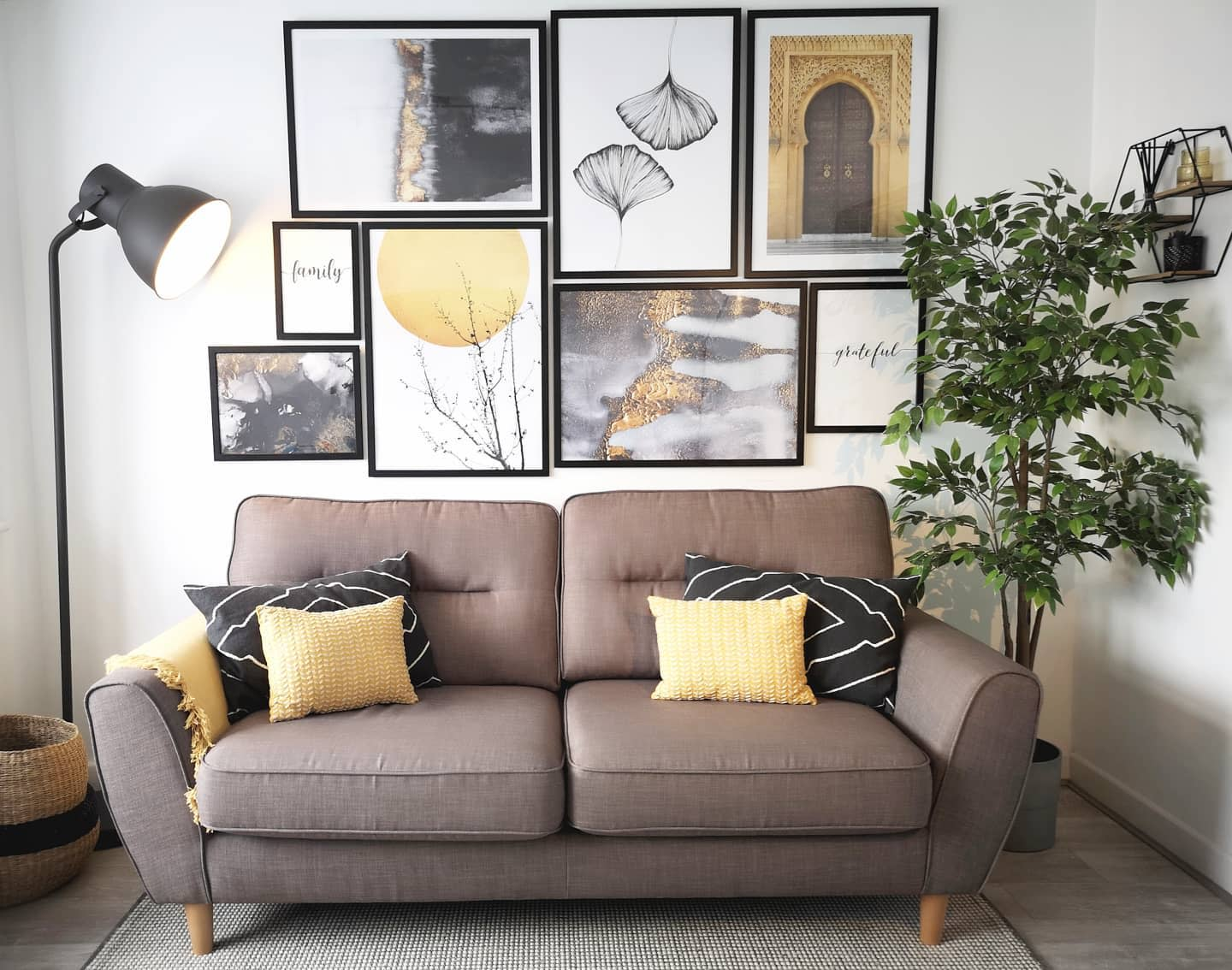 Livingroom Wall Collage Ideas -withloverabz